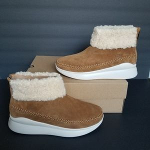 UGG Montrose Sneakers